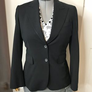 Women's black Banana Republic blazer size 6